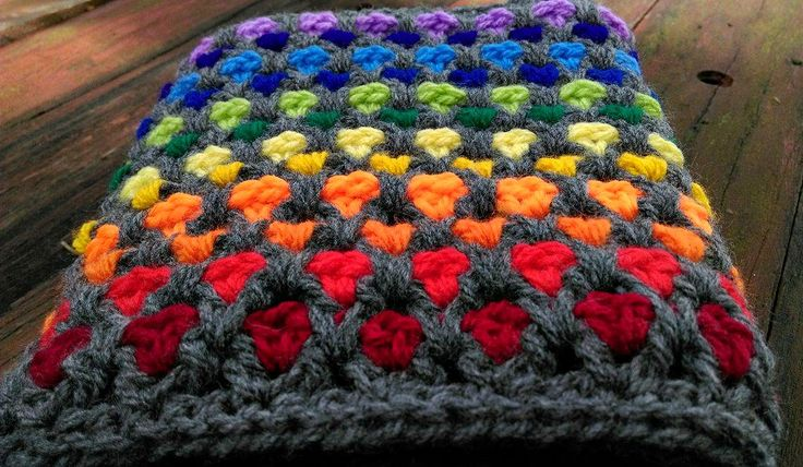 'Moroccan Rainbow' Cowl.   Project notes and pattern link here;   http://www.ravelry.com/projects/LindaDavie/moroccan-midnight-cowl