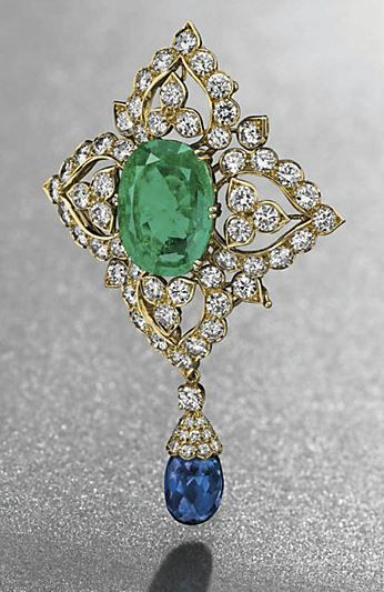 AN EMERALD, SAPPHIRE AND DIAMOND BROOCH, BY VAN CLEEF & ARPELS