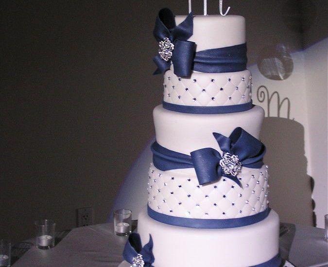 Navy Blue Wedding Cakes 291 cakepins.com