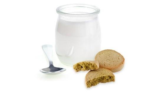 Bicchierini di yogurt con biscotti al tè verde  |  casadivita.despar.it