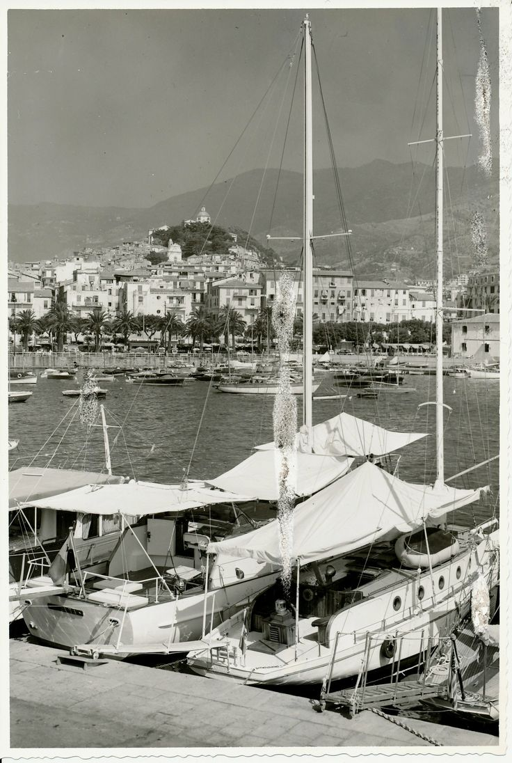 Il porto di Sanremo. (Photo: Gatti, luglio 1966) #Sanremo #Riviera #Liguria #viaggi #vacanza #holiday #journey