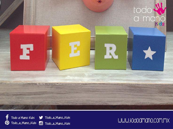 Cubos con el nombre de tu peque, colores a tu elección. Decora tus eventos o su habitación. #hechoenmexico #amano #kidsroom