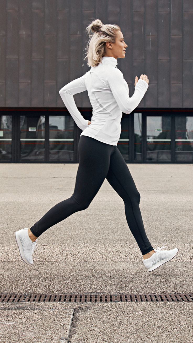 Yoga Clothes : Find your focus with the Womens Focus Jacket. 3