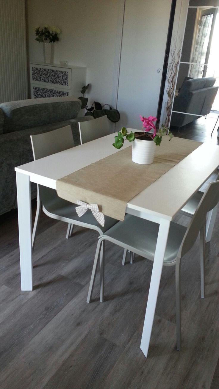 Tavolo Dublino bianco Bontempi con sedia Eva sabbia Bontempi!