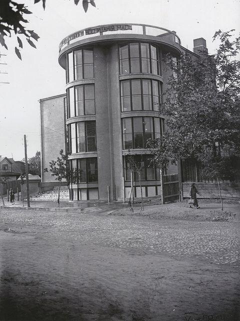 Workers club, Burevestnik, Moscow (build 1928-1930) by Konstantin Melnikov | Flickr: Intercambio de fotos