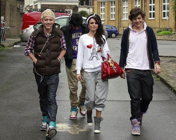 Cheryl Lloyd and Cher Lloyd Photo - 'X Factor' Contestants Sighting in London - October 4, 2010