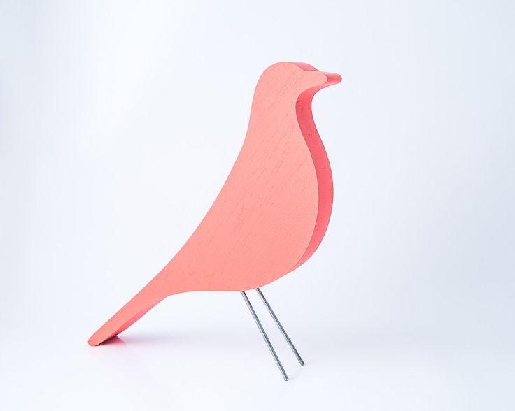 Eames uccello remake arredamento casa elemento legno dipinto a mano disegno icona semplificato pesco colore corallo di DesignAtelierArticle su Etsy https://www.etsy.com/it/listing/189810389/eames-uccello-remake-arredamento-casa