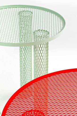 Moroso, tavolini Net, design Bejamin Hubert, a partire da 670 euro
