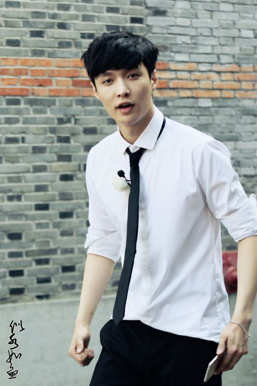 Lay EXO- A confession of EXO-L Part 2 :) – Chasing Sky or Stars ?