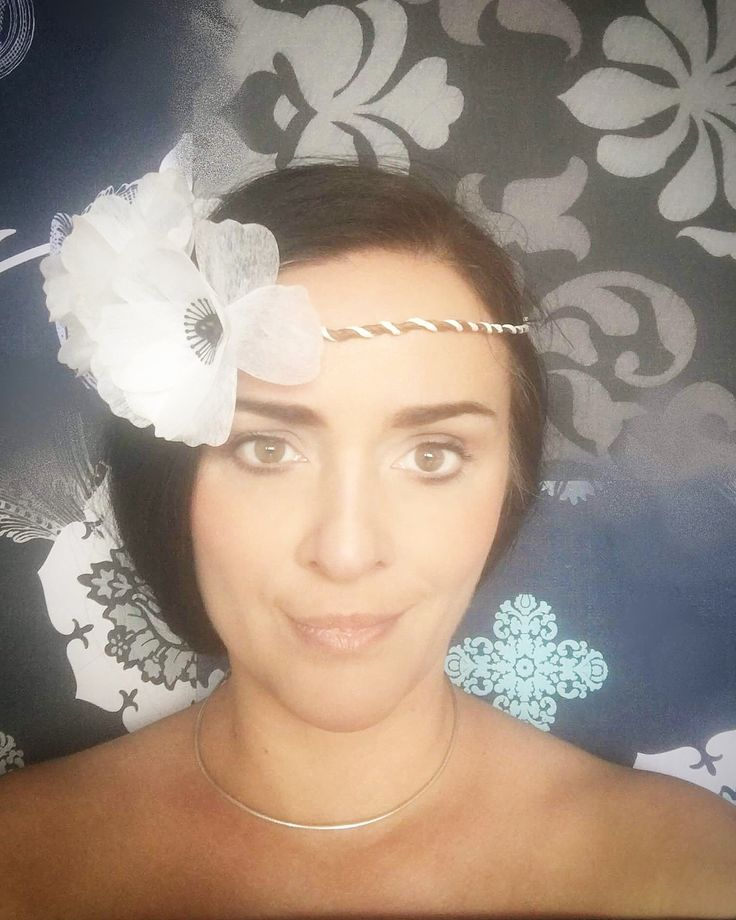 Elegant classy evening style. How to look different in your special pictures? Create your own floral style! White anemone paper flower crown ♥ https://www.etsy.com/listing/533620005/white-anemone-floral-crown-white-paper?ref=shop_home_active_1