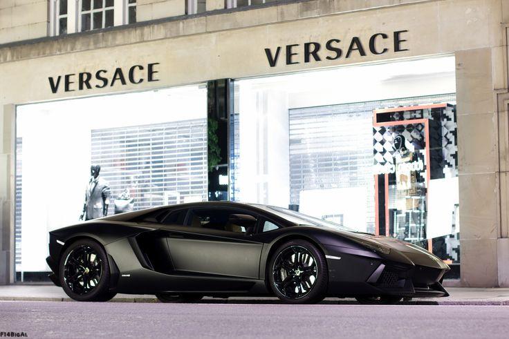 Lamborghini Aventador LP700-4 Matte Black