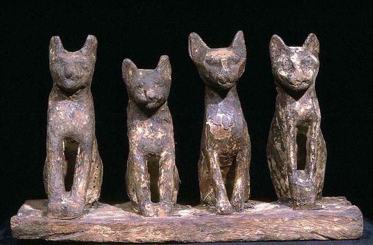 Wooden cat sculpture - Egypt, 664 - 332 B.C.