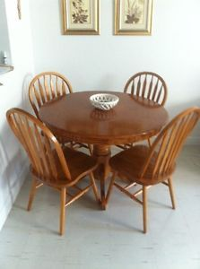Pine table and four chairs Kingston Kingston Area image 1