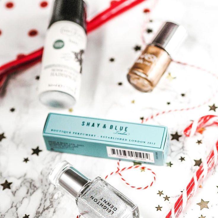 This @shayandbluelondon perfume inside the @marksandspencer advent Calendar is just  #bbloggers #fbloggers #lbloggers #love#follow #like #fashionblogger #style #beauty #beautyblogger #picoftheday #photooftheday #30plusblogs #blogginggals #thegirlgang #instadaily #instagood #blog #blogger #linkinbio #moreontheblog #ukblog #igers #scent #winter #mood #thursday #perfume