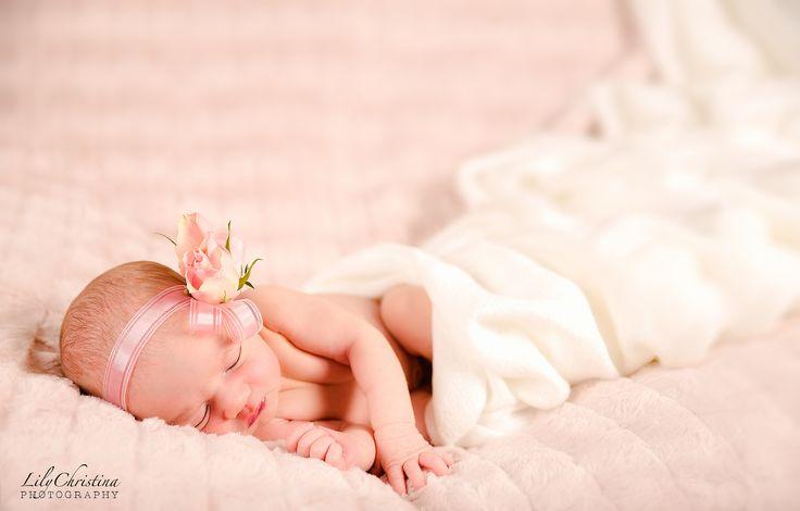 LilyChristina Photography, vauvakuvaus, vastasyntyneen kuvaus, vastasyntynyt, vauva, newborn photography, newborn