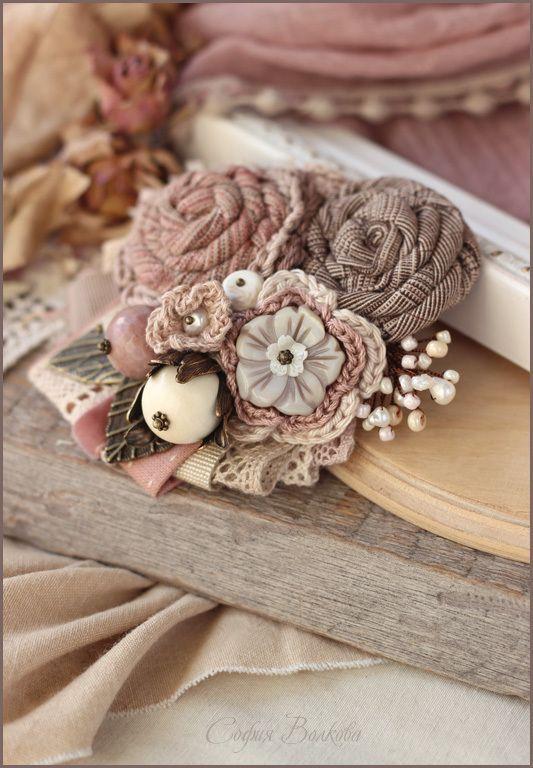 """Брошь """"Нежные яблони"""" - брошь,текстильная брошь,яблоня,брошь я блоня,пыльно-розовый"""