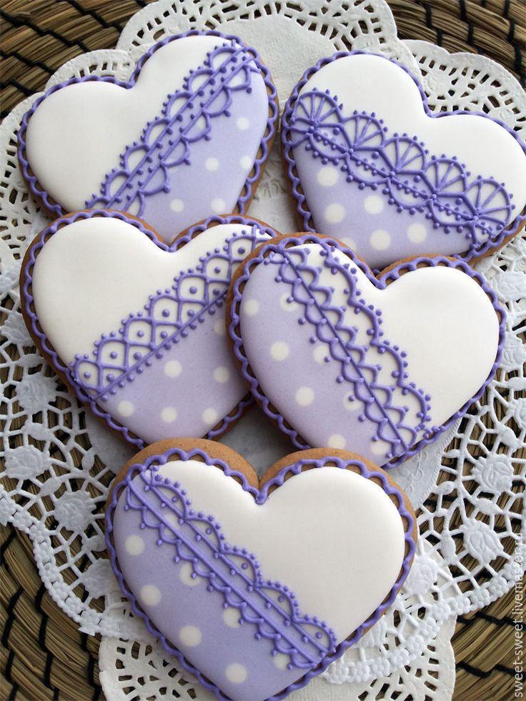 Имбирный пряник Сердце в лавандовых тонах – купить или заказать в интернет-магазине на Ярмарке Мастеров   Ароматные вкусные пряничные сердечки станут…