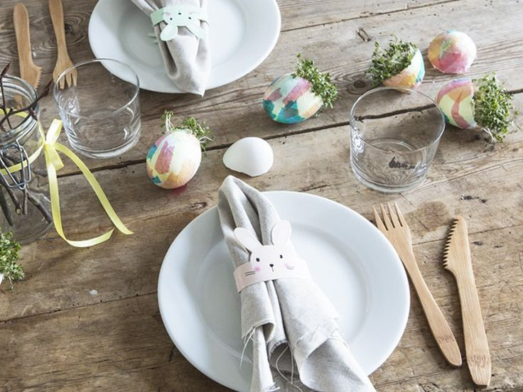DIY - Decorations for the Easter table by Sostrene Grene. Click at the picture for tutorial.