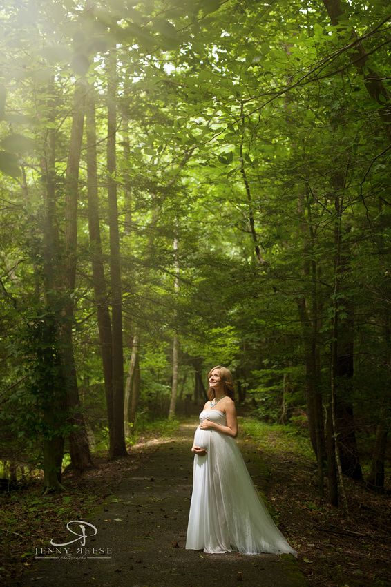 Gorgeous mother to be in the woods of Kanawha State Forest.   Maternity session….