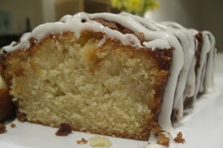 The best ever lemon drizzle cake