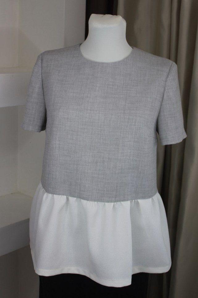 """Детали - застежка. Блуза с воланом из итальянской костюмной ткани """"под лен"""". Застежка на спинке. Длина 60 см Цвет розовый, волан - молочный. Размер 40-42 Стоимость 2200 рублей В наличии Под заказ на размеры 40-46"""