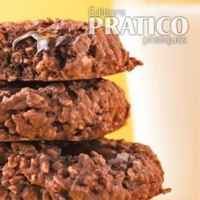 Des biscuits au chocolat santé pour clôturer le lunch sur une belle note sucrée… oui, on en veut! Le goût intense du chocolat noir à 70% de cacao se charge d'émoustiller les papilles, tandis que les céréales de grains entiers contenues dans cette recette fournissent les bonnes fibres alimentaires. Le plus beau: avec à peine 190 calories par biscuit, cette gâterie ne manquera pas d'attirer les gourmands soucieux de leur ligne.