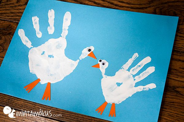 Handprint mother goose and her baby. Lovely and simple craft for kids :)