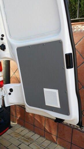EQUIPAMIENTO INTERIOR EN FURGONETA TALLER REALIZADO EN VW TRANSPORTER L1 H2 DE LA MANCOMUNIDAD GUADALQUIVIR. Más información en : www.inansur.com/presupuesto.htm