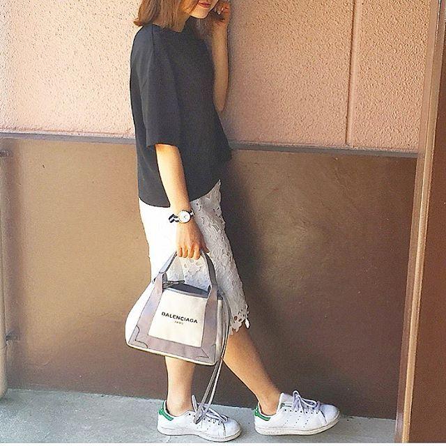 #ootd * tops#UNIQLO skirt#しまむら bag#balenciaga watch#danielwellington  shoes#adidas #stansmith * * 昨日はママ友とランチ会✨ #ユニクロ #Tブラウス で#上品 #カジュアル コーデ  * * #outfit#uniqloginza2016ss#fashion#locari#ダニエルウェリントン#ユニジョ#ユニクロ#プチプラ#スニーカー#ママコーデ#プチプラコーデ#レーススカート#スタンスミス#白スニーカー#ママファッション#バレンシアガ#大人カジュアル#大人女子#ランチ会#コーディネート