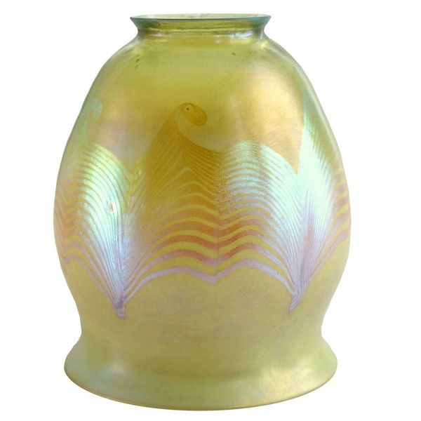 American Tiffany Studios Art Glass Favrile Hooked Feather Lamp Shade