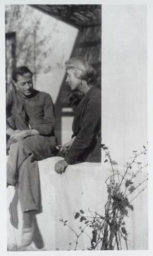 Duncan Grant & Vanessa Bell. Denizens of Charleston - the house again, not the beautiful southern city.