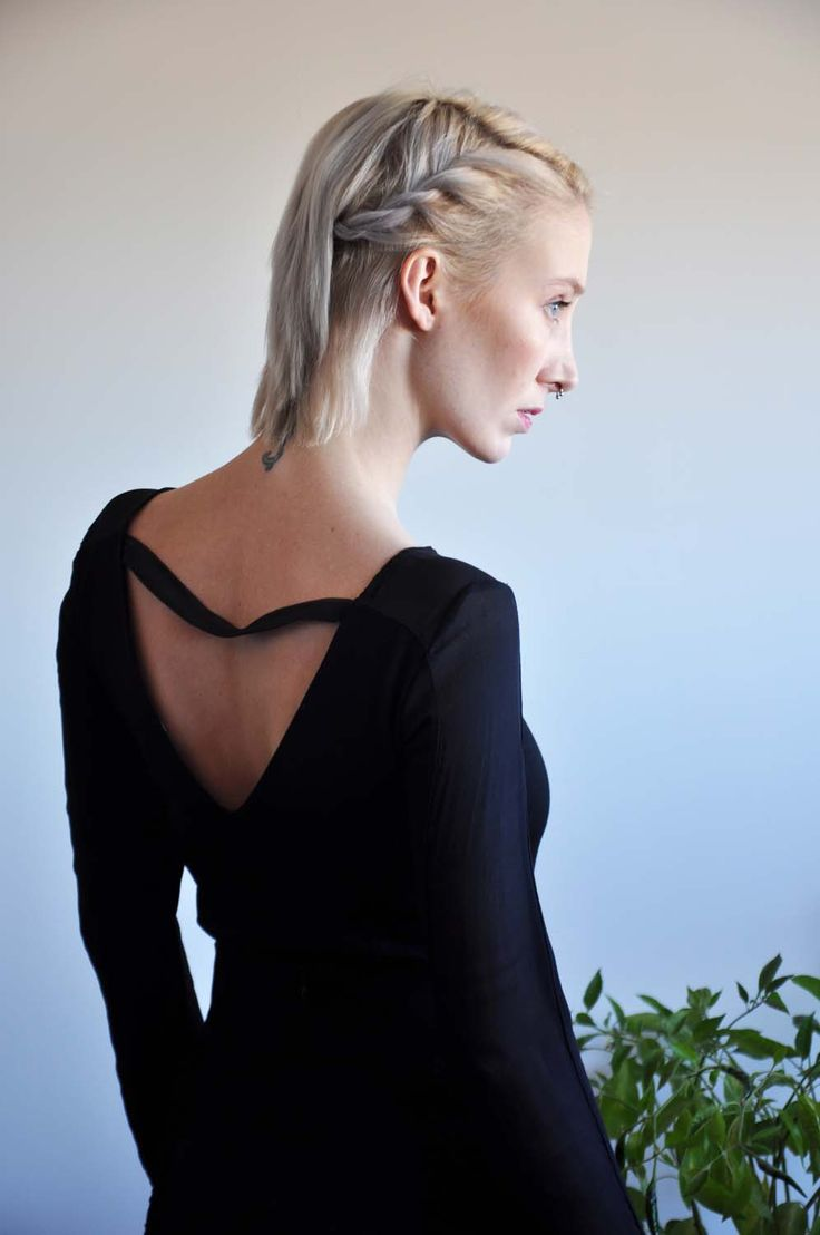 Aroma30 - Minimal chic Long sleeves top with silk georgette sections and cut-out on the back