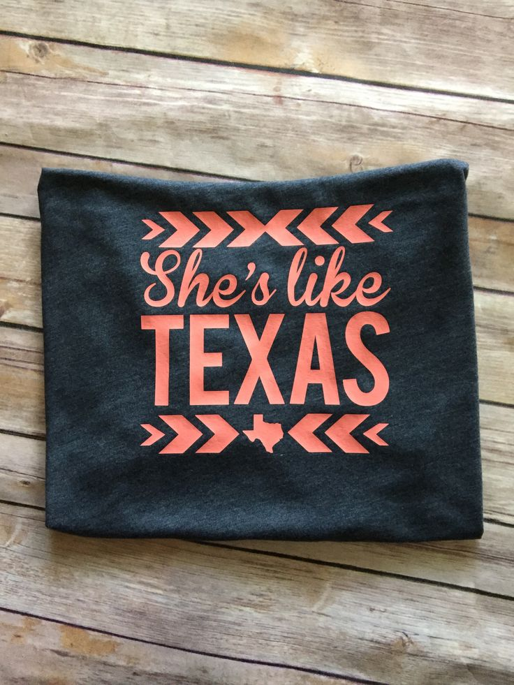 Super cute tank! Perfect for all those proud Texas women! Tanks are Next Level apparel and run true to size. Color Tank : Heather Navy Print: Corral