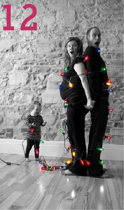 24 Christmas Family Photo Ideas | Random Tuesdays. I love this! With 4 kids it's possible