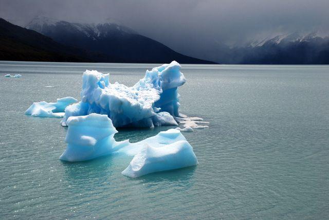 Day 90: Calved icebergs, Lago Argentino, near El Calafate, Patagonia (Argentina)