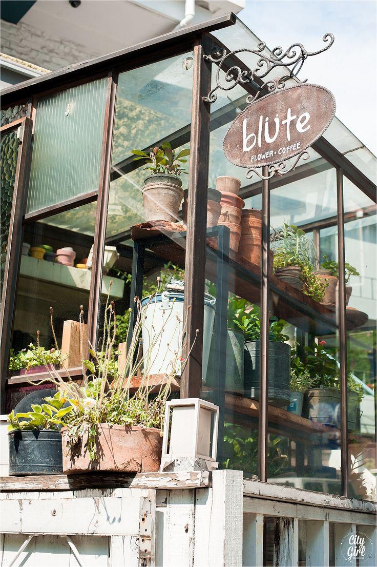Blute Flower Cafe in Seoul, South Korea