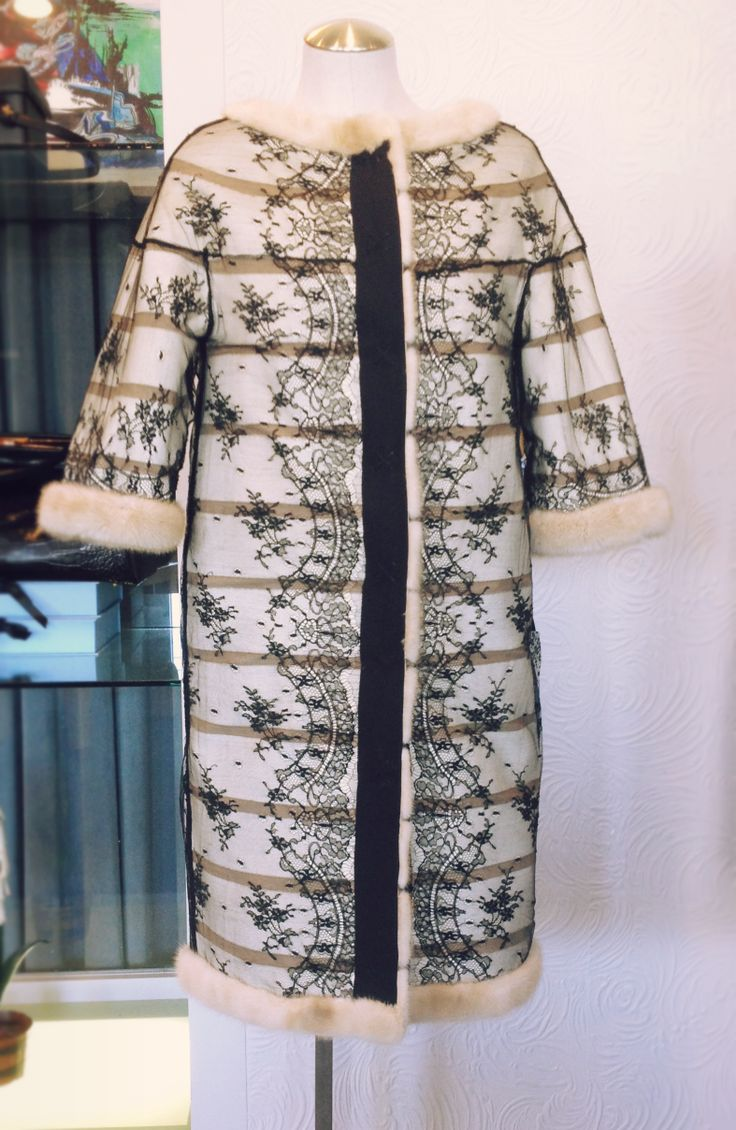 French lace from Paris - Reversible in blonde mink. - Zhor and Nema