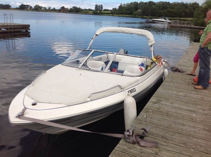 Luxury speed boat Bayliner Capri classic 19ft 6ins 3 litre engine 6 seater bow…