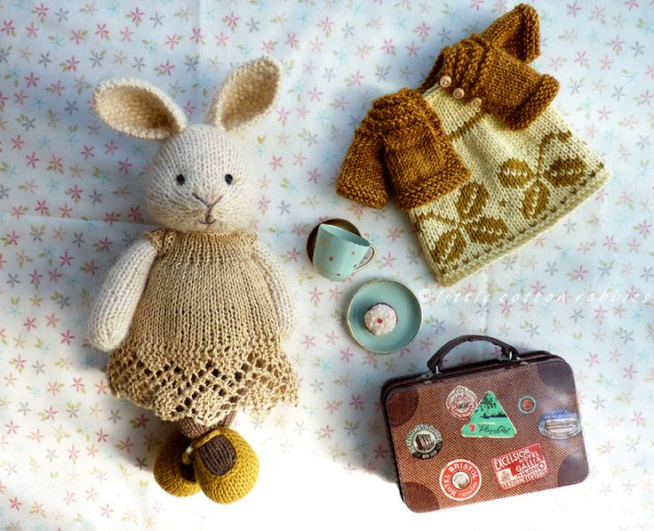 Noisette knitted bunnies