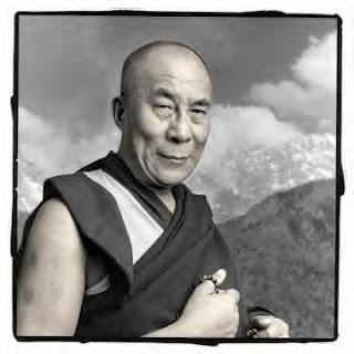 Ero intelligente e volevo cambiare il mondo. Ora sono saggio e sto cambiando me stesso.      Dalai Lama