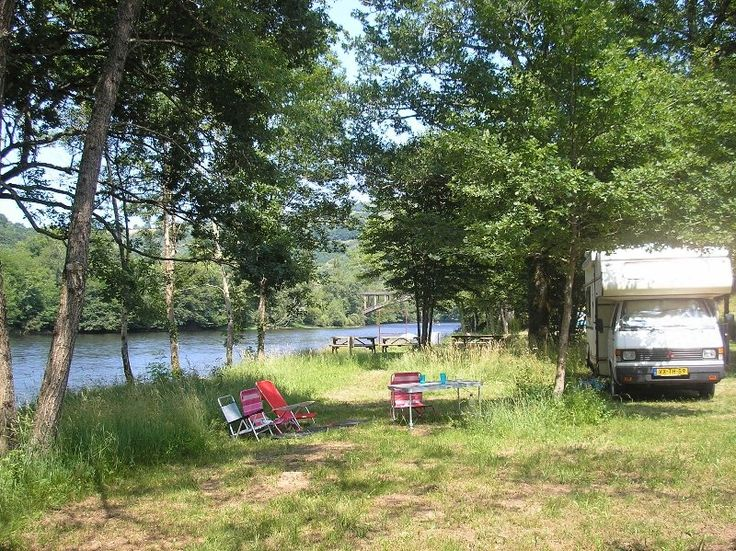 Camping La Champagne, kleine camping aan de Dordogne