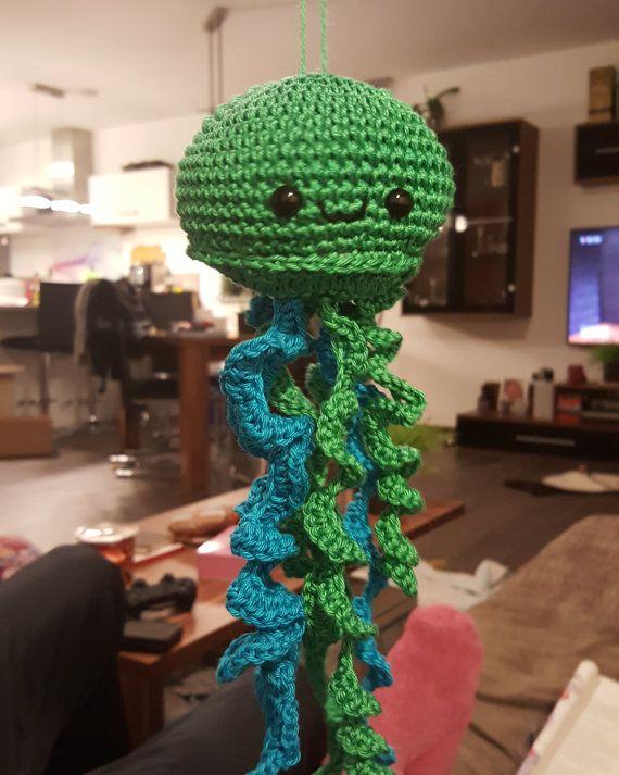Kleine glückliche Qualle happy Jellyfish in von KittySweetCrochet
