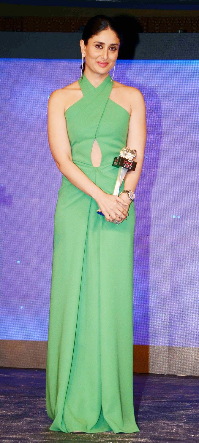 Kareena Kapoor at the Yuva Awards show. #Bollywood #Fashion #Style #Beauty