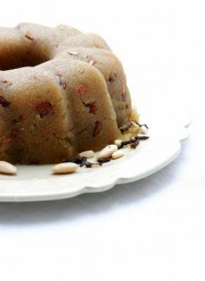 HALVAS (SEMOLINA CAKE)