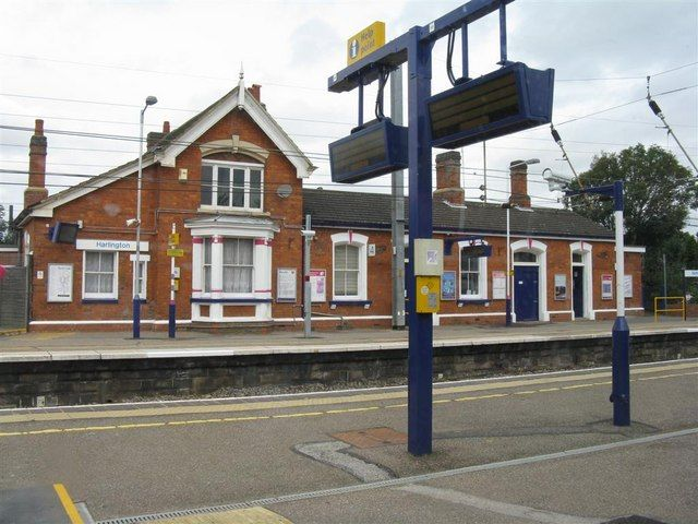 Harlington Railway Station (HLN) in Dunstable