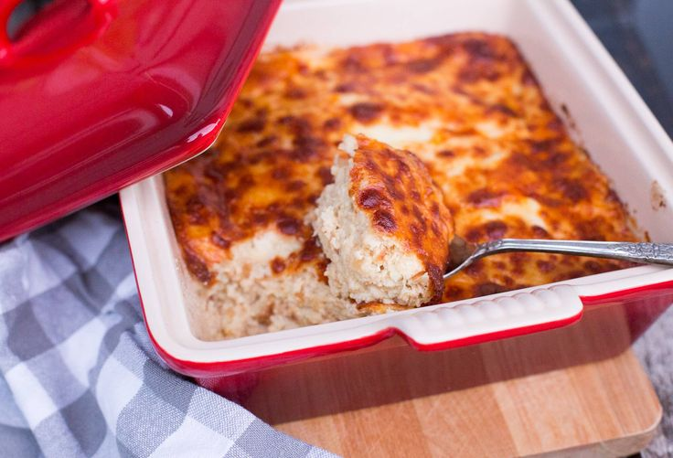 A very traditional Chilean dish: Cauliflower Casserole. Vegetables are the cheapest food in Chile and my grandmother was skilled in making many different dishes with them: we enjoyed them in tortillas, casseroles, puddings, soups, fritters, purees, and more. This cauliflower casserole or pudding is very similar to the zucchini one and appropriately enough one is...