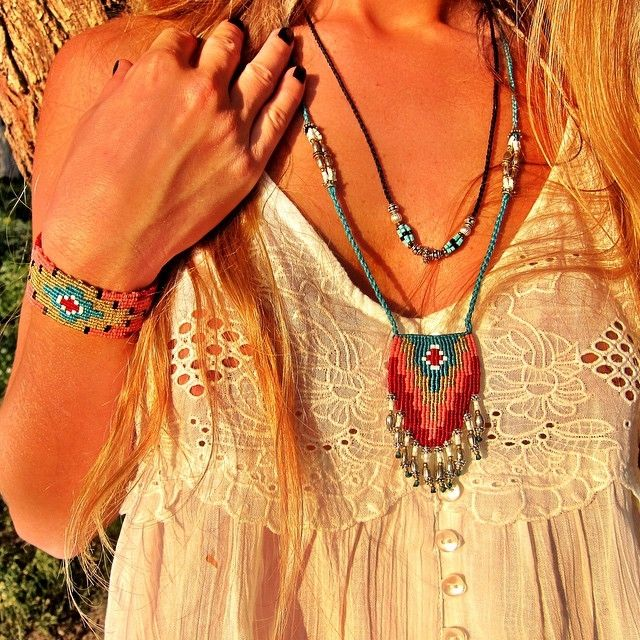 Zoe Kompitsi Macrame necklace and bracelet bohemian style