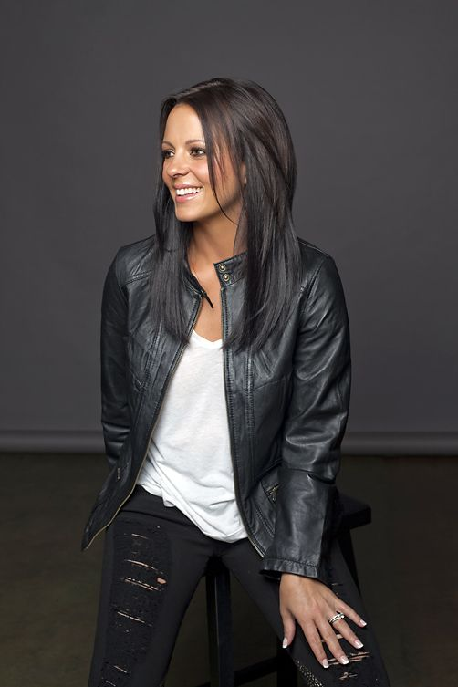 always gonna be a liiiiiittle upset that she is straight...lol. absolutely flawless! Love #saraevans