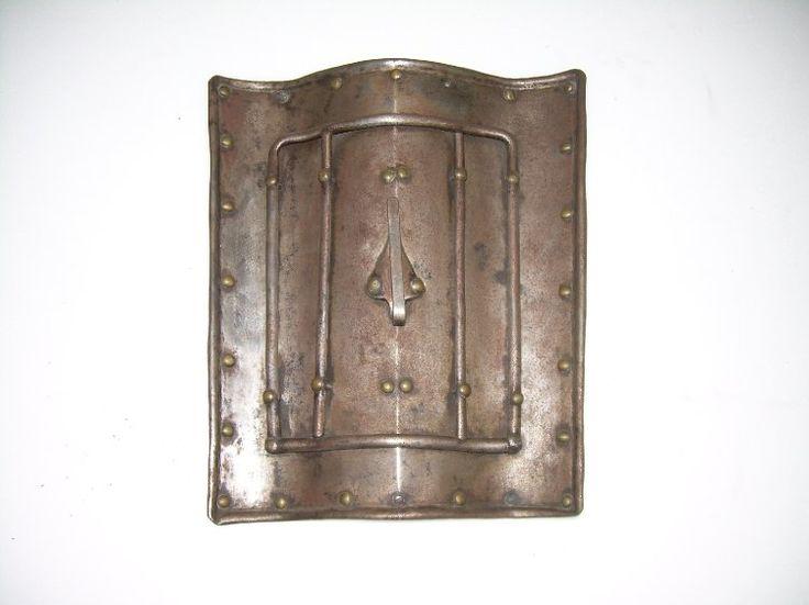 Targa, escudo corto generalmente de torneo.