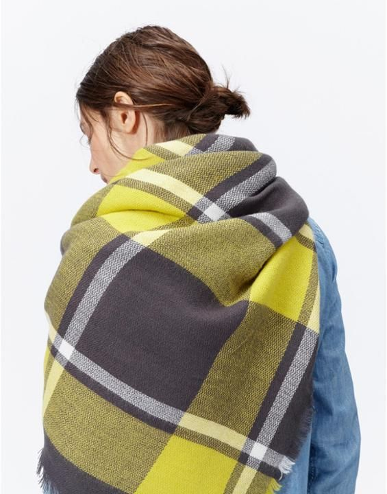 HEYFORD Soft Oversized Woven Scarf The perfect gift for her this Christmas